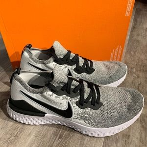 Nike Epic React Flyknit 2 Sneakers Running Shoes